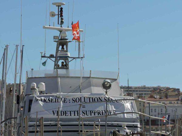 Marseille, ubuesque, douane en grève