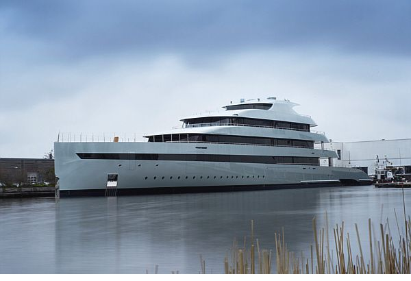 VIDEO - Le chantier Feadship lance Savannah, le premier super yacht hybride