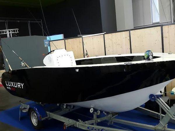MIG 580 : l'open hydrojet insubmersible, avec caméra de pêche sous-marine, de Luxury Sea