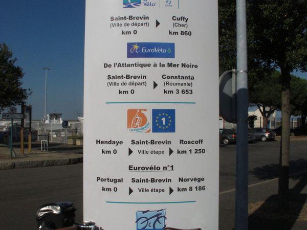 St Brévin les Pins point 0 de l'EuroVélo 6) et le pont de St Nazaire - Coucher de soleil à St Brévin - Train et vélo ...