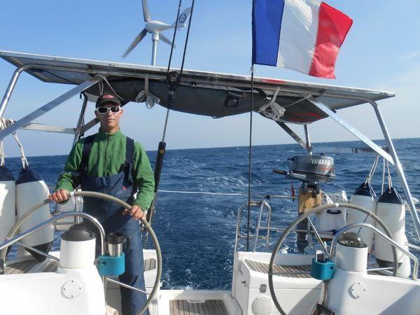 Passage en Mer d'Alboran, au surf à plus de 11 noeuds, voiles en ciseaux