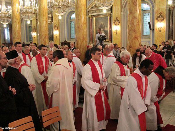 De nombreux prêtres venus de toute la Turquie mais aussi de l'étranger...