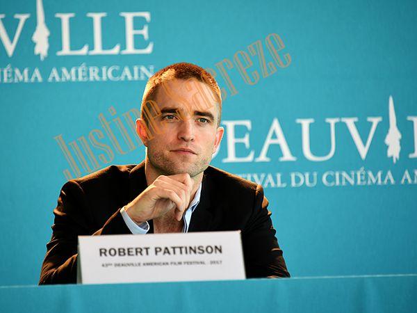 Robert Pattinson conférence.