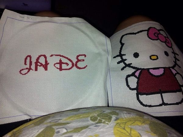 Coussin hello kitty de Jade fini !