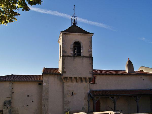 Eglise de Gergovie style roman primitif (X - XIIème)    place St-Jean