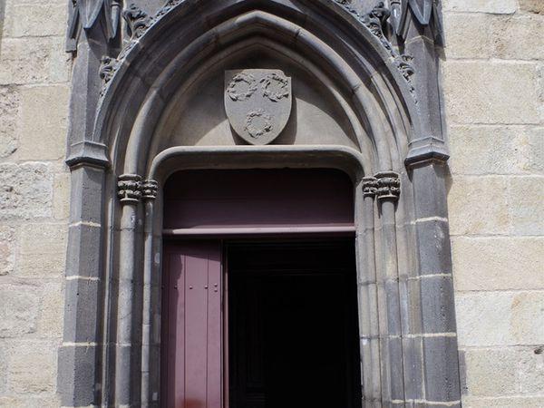 L'église romane Notre-Dame du Port.