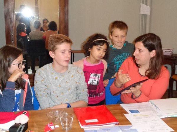 Les enfants de l'ACE présentent leur manifeste pour un meilleur à-venir au Pape François