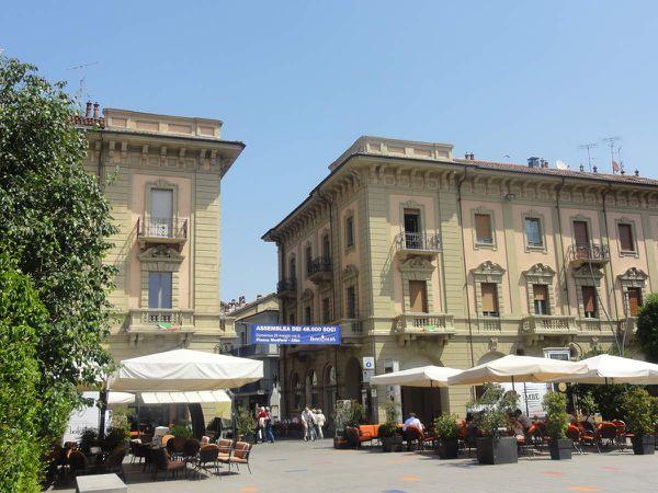 Alba - Cité de la Rome antique, son nom est un acrostiche de : Angelo, Leone, Bue, Aquila
