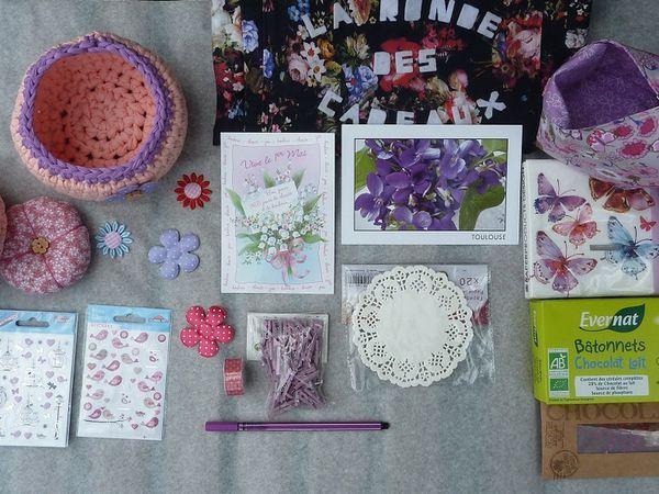 chez Lila * le sac : ronde des cadeaux * 240 *