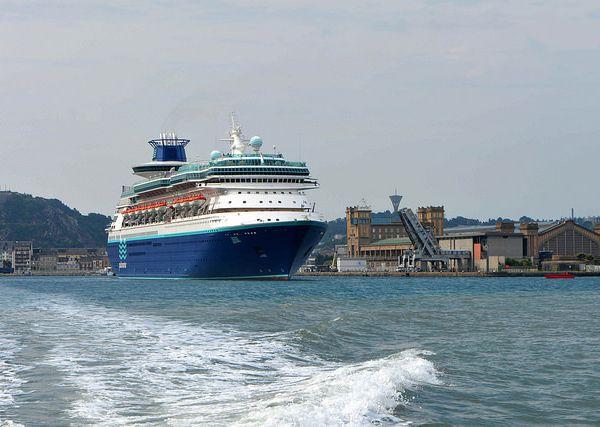 En images, l'escale inaugurale du Monarch à Cherbourg