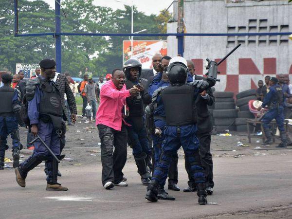 Autres images d'émeutes à Kinshasa (Archives)