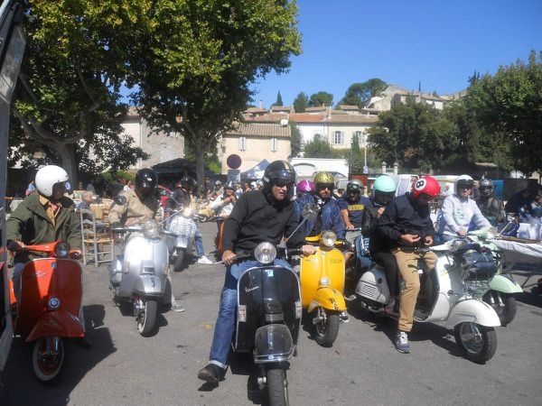 5 SEPTEMBRE 2015 SAMEDI L'APERO SCOOTERISTE AVIGNONNAIS