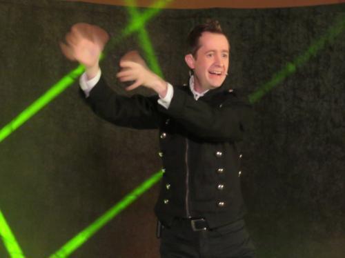 Le magicien avait attiré beaucoup de monde&#x3B; Bernard Dauvergne a présenté la Saison culturelle de la CCVLB
