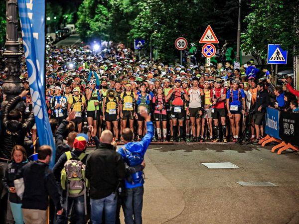 Ultra-Trail du Mont-Blanc® 2015. Pau Bartolo e Andrea Huser vincono la TDS®