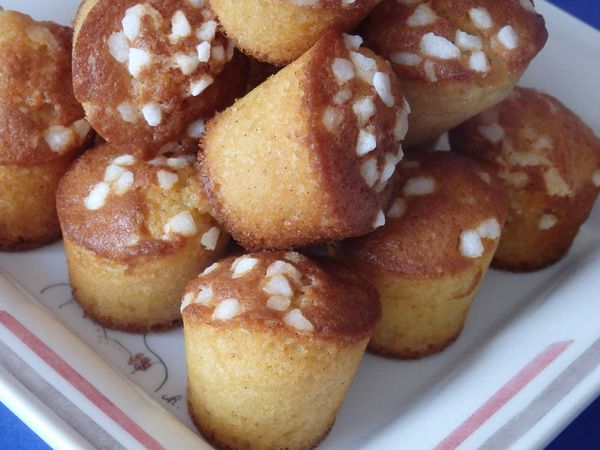 Madeleines façon muffins finition chouquettes