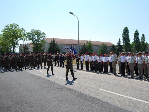 Passation de commandement au Régiment Médical de La Valbonne