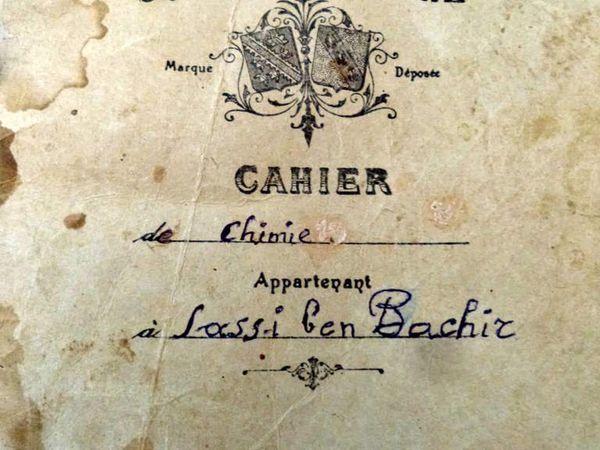 cahier de classe de chimie au lycée technique de Dellys de hadj Kazi Sassi en 1923 : Admirez la beauté et les soins de l'écriture et des schémas