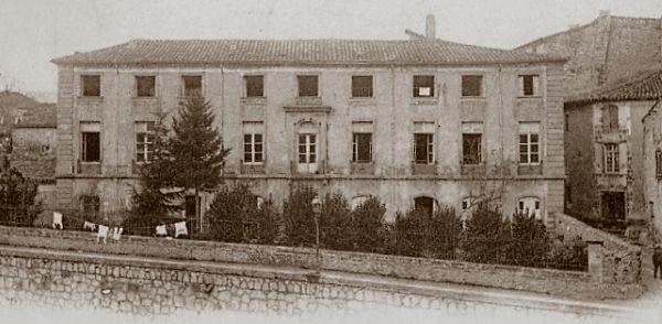 Villeneuvette                                                                                                        St Chinian