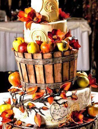Pour les mariages rustiques pourquoi ne pas donner un effet boisé à votre wedding cake?