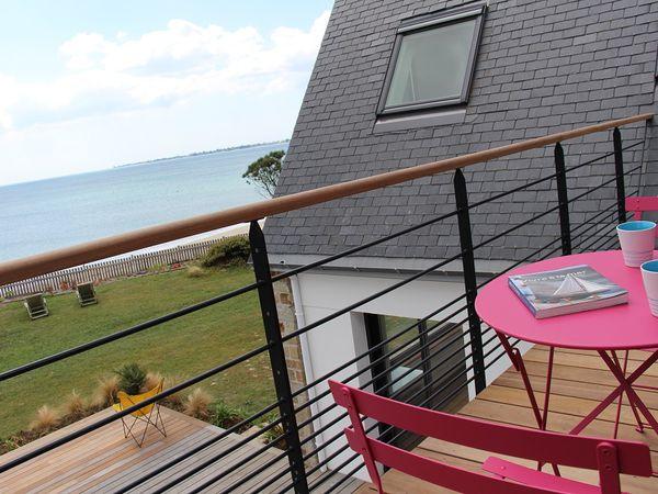 Chambre agrandie et création d'un espace balcon au sortir de la chambre