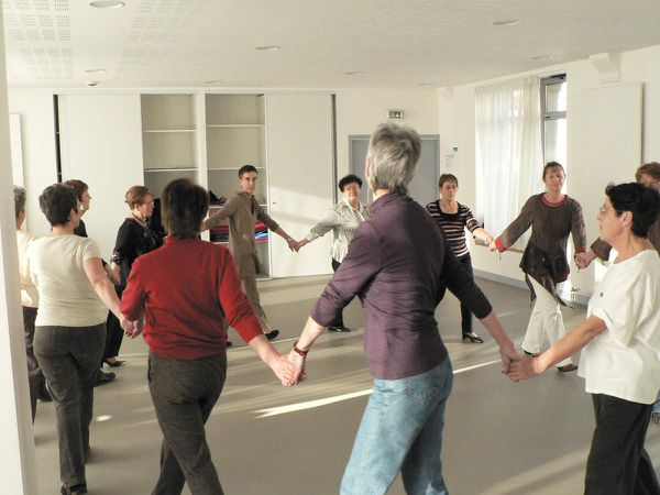 Danses collectives traditionnelles