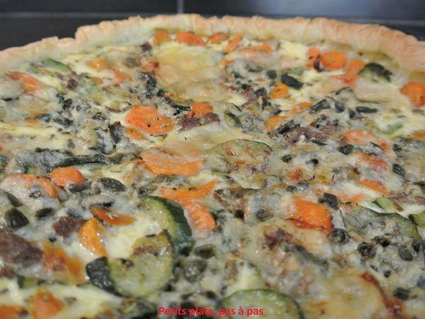 Tarte aux légumes, steak haché et roquefort