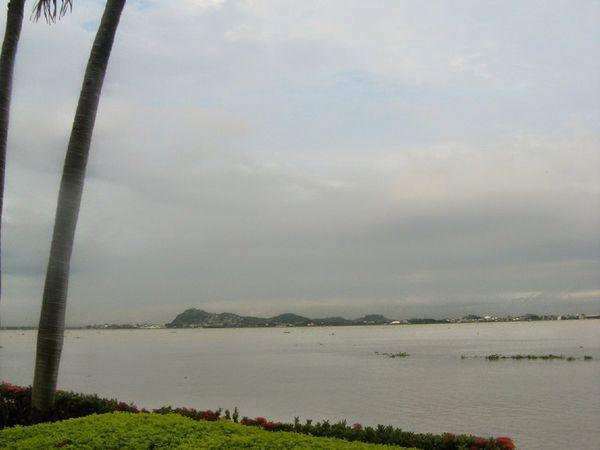 Escale éclair à Guayaquil. 15 mai 2015