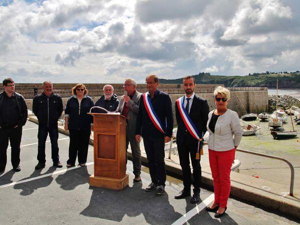 Inauguration de la restauration de la digue de Bréhec
