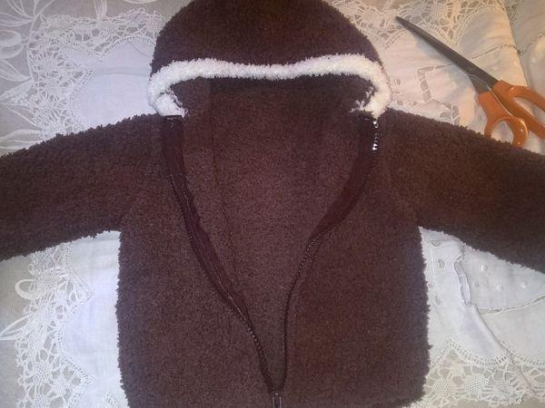 """Petit blouson en laine """"marron glacé"""", bordure blanche, laine bouclette douce au toucher, zip détachable"""