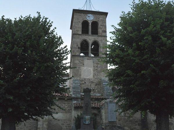 L'église Saint Loup de Boudes 12è siècle.