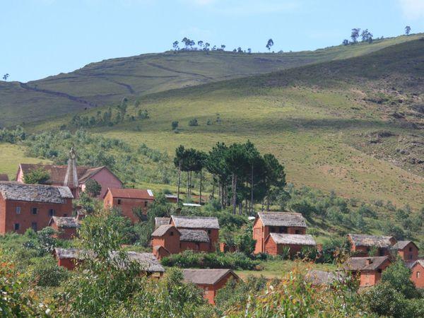 Un pays, des paysages, des villages, et des villageois