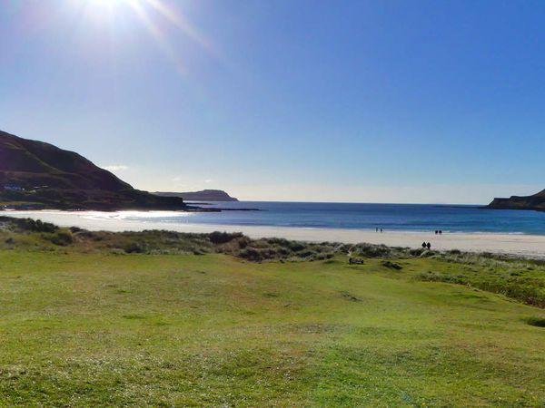 Alors, plus belle plage de l'ile ? Je vous laisse réfléchir, je ramasse les copies dans 4 heures.