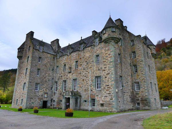 Castle Menzies : on le voit plutôt bien depuis les jardins (très moches en hiver malheureusement). Et du ciel !