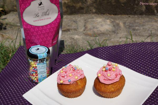 Cupackes au thé rose-litchi, partenariat Gourmet in Love et 2 ans du blog