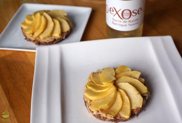 Tartelette crue aux pommes, rosace de pommes juste poêlées