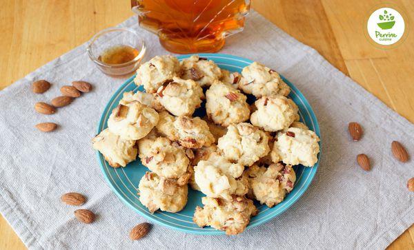 Cookies au sirop d'érable, au chocolat blanc et aux amandes {sans œuf}