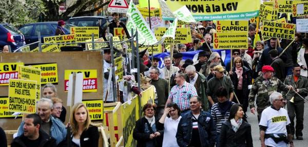 2000 manifestants contre la LGV