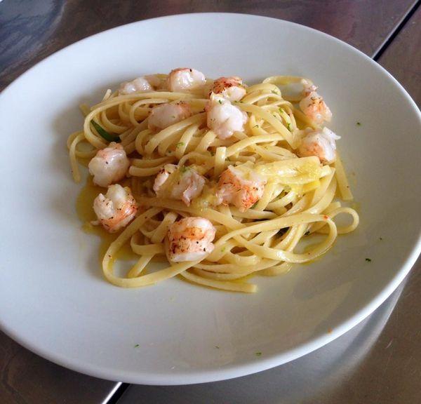 Spaghetti et crevettes  au citron, recette d'Hélène Darroze