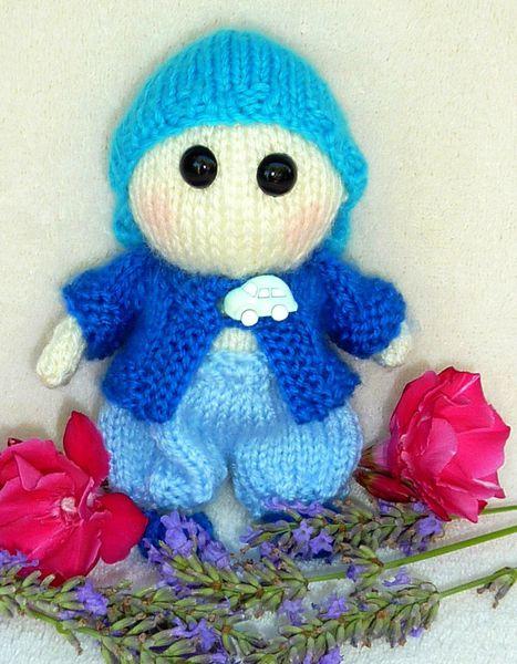 Petit garçon bleu
