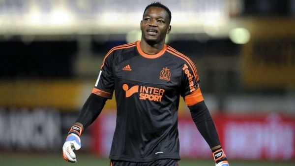 Mandanda is back!