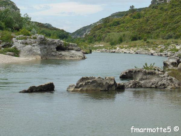 Les Gorges du Gardon, randonnée à pied, départ de Collias.