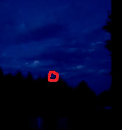 Photo extraite de la vidéo : j'ai entouré en rouge l'ovni du 13 décembre 2015 à Idaho Falls