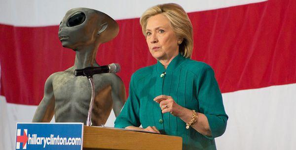 La Vérité dévoilée sur les Ovnis Aliens avec Hillay Clinton et John Podesta