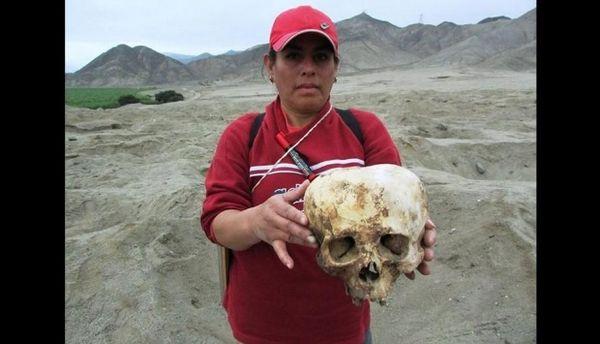 Photo 1 : découverte d'étranges crânes au Pérou...