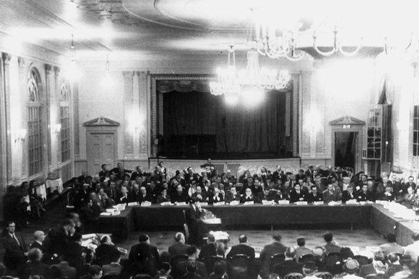 Bretton woods : Ici, l'ordre des nations devient celui des marchés