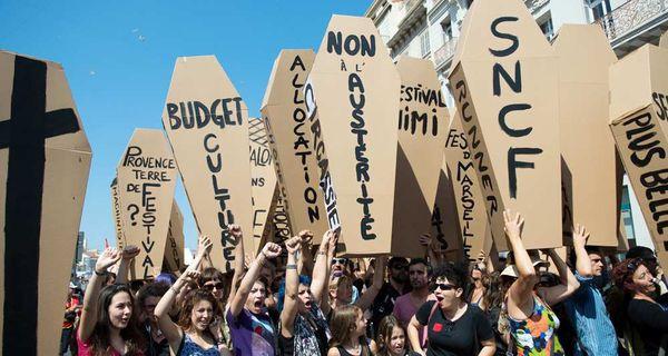 À Marseille, des intermittents dénoncent les ravages de l'austérité sur les services publics