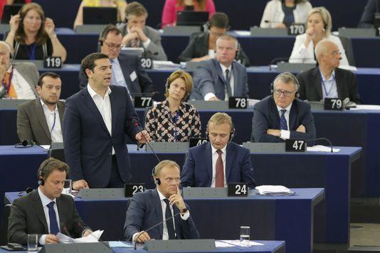 Alexis Tsipras s'adresse aux députés du Parlement européen, à Strasbourg, mercredi 8 juillet.  Vincent Kessler / Reuters