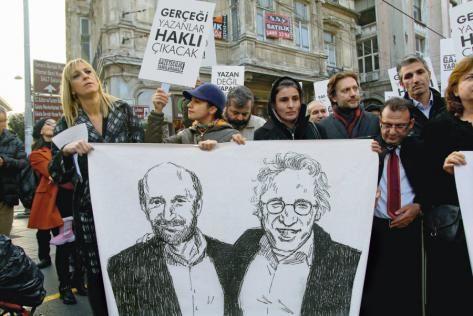 Istanbul le 26 décembre. Depuis leurs arrestations, des rassemblements ont eu lieu pour protester contre l'emprisonnement des deux journalistes.  Photo : E. Koray Berkin/Citizenside