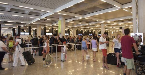 L'exode des Espagnols à l'étranger se poursuit fortement