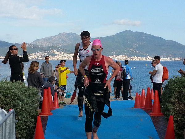 Arrivée natation du Triathlon Giro